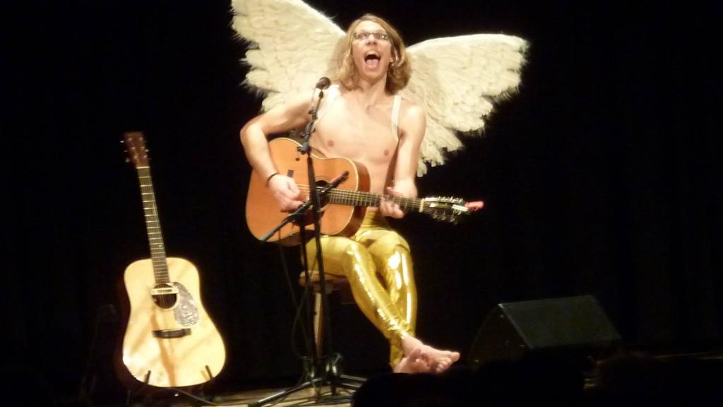 Blonder Engel in Isen beim Klement