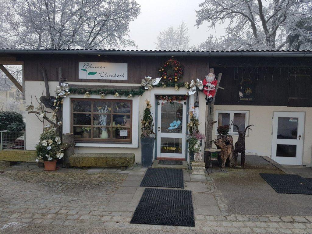 Eingang zu Blumen Elisabeth Marold in Isen,, Mittbach Hauptstraße 4