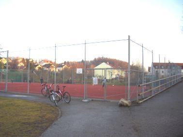 Hartplatz Schule Isen