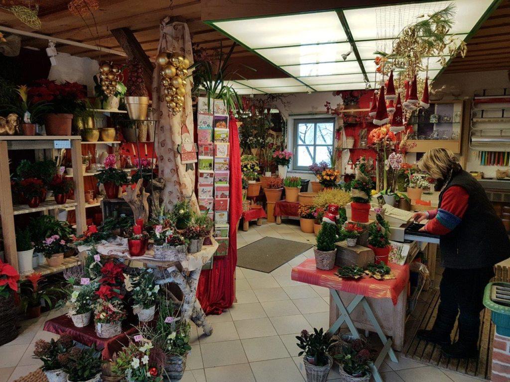 Schöne Auswahl an frischen Blumen bei der Floristin Blumen Elisabeth in Mittbach bei Isen