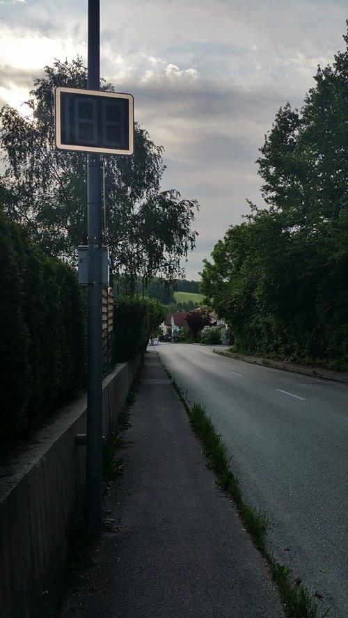 Geschwindigkeits-Anzeigen-Isen-Klaus-Hamal
