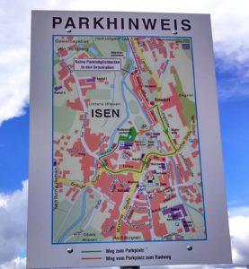Radweg-Autoparkplatz-Isen