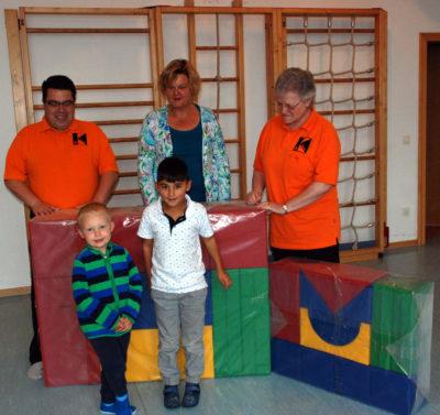 Kolpingsfamilie Isen: Geschenk für Kindergarten Buch am Buchrain