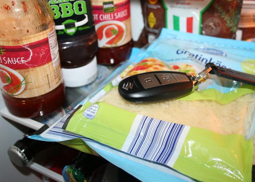 Keyless Autoschlüssel im Kühlschrank kann vor Diebstahl bewahren.
