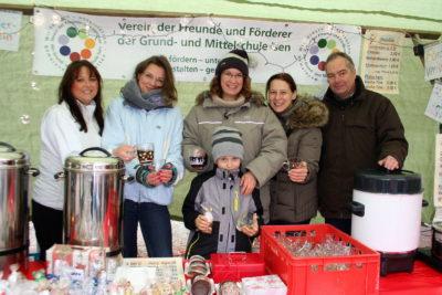 Nikolausmarkt Isen: Schul-Förderverein mit eigenem Stand vor Ort