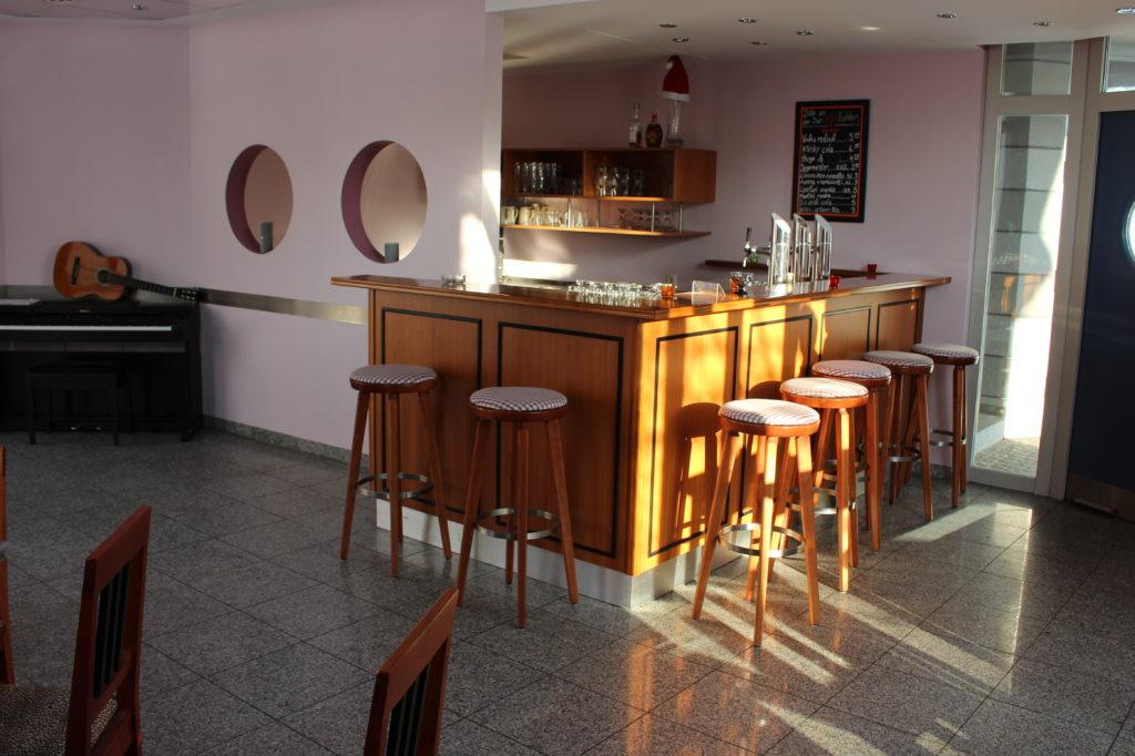 Bar Centrale in Isen - öffnet immer Samstags ab 21.30 Uhr