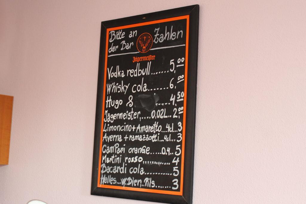 Getränkepreise in der Bar Centrale in Isen