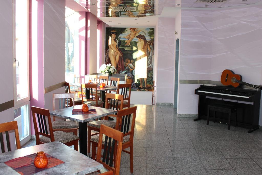 Elegante Atmosphäre in der Bar Centrale im Isener Zentrum