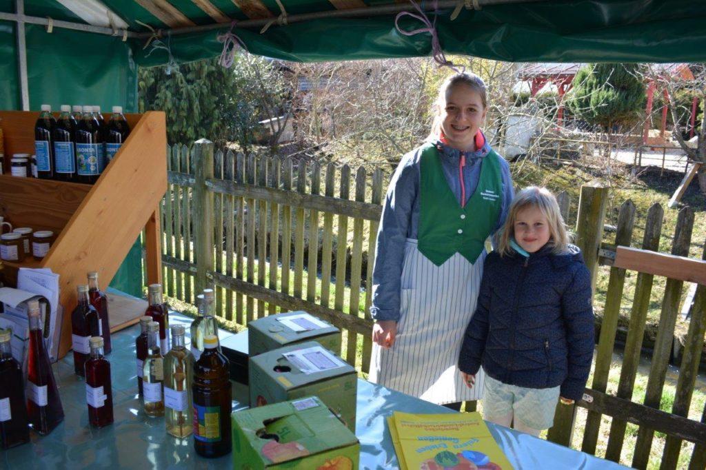 Der Nachwuchs hilft auch mit beim Frühlingsfest in Isen