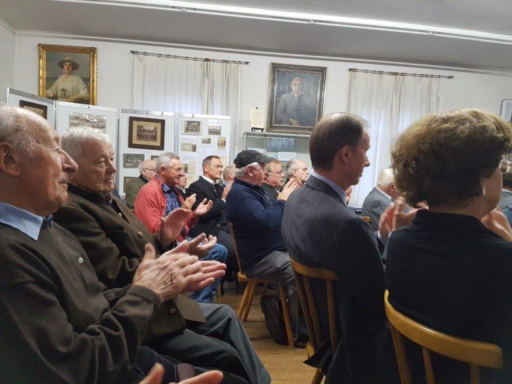 Zahlreiche Besucher kamen zur Ausstellungseröffnung