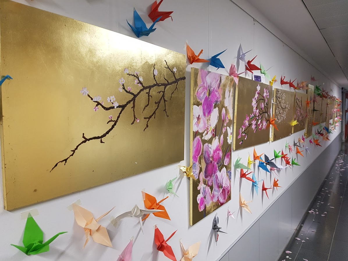 Japanische Kirschblütenmalerei auf Blattgold