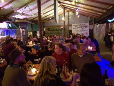 Tolles Weinfest mit vielen Besuchern, trotz kaltem Wetter bei den Fußballern des TSV Isen
