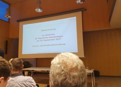 Wahlhelfer-Schulung für die Bundestagswahl 2017 in Isen