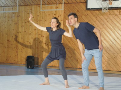 Theaterprojekt Mittelschule Isen: Frieden erklären, nicht den Krieg!