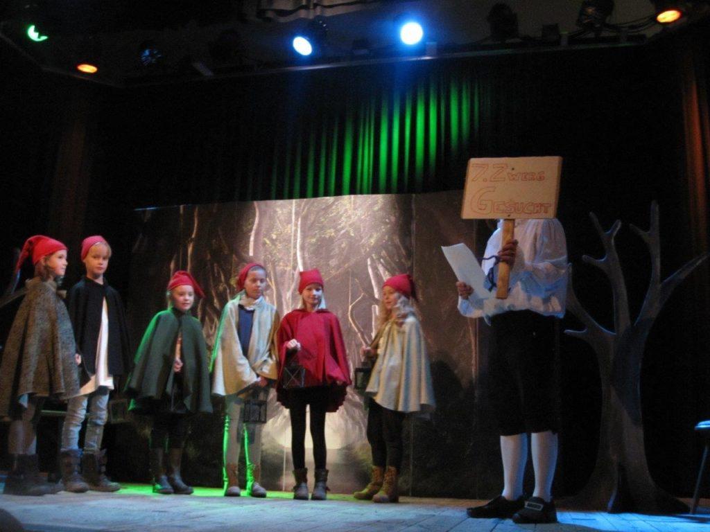 Theaterverein Isen 7. Zwerg gesucht