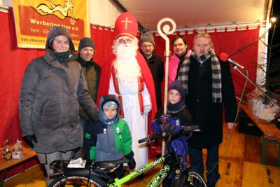 Nikolausmarkt Isen: Benedikt gewinnt Bike
