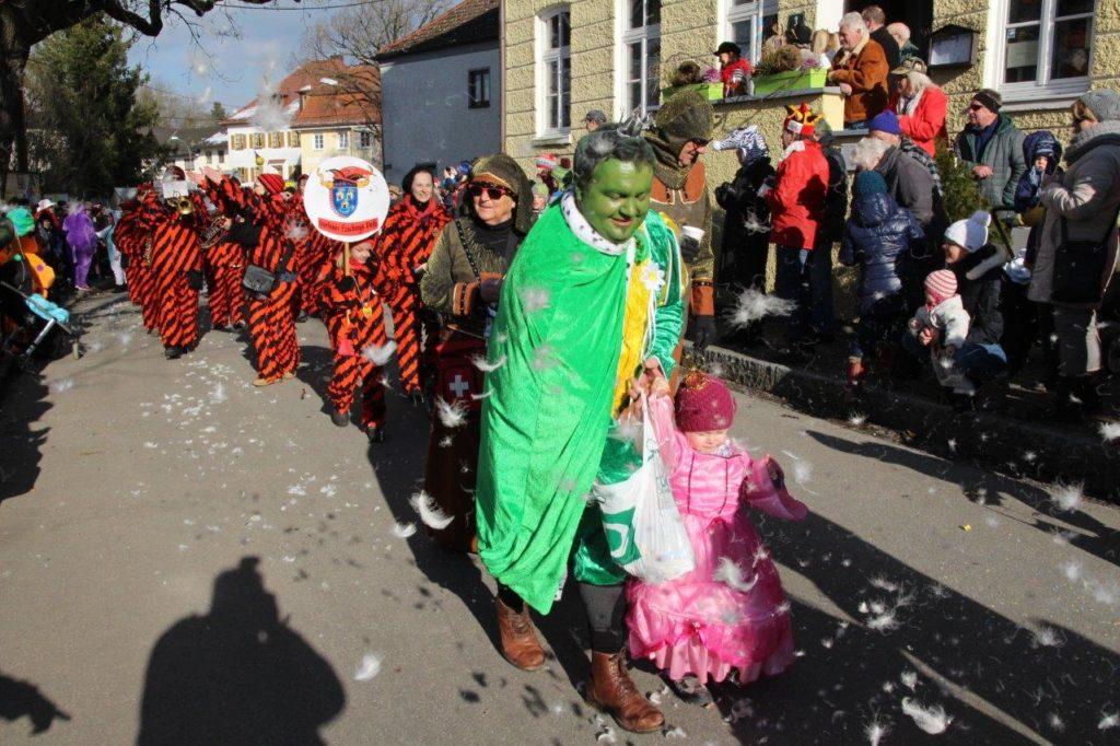 Herzlich Wilkommen liebe Nachbarn - die Dorfener Faschingsdeifi warn a da - Faschingszug Isen 2018