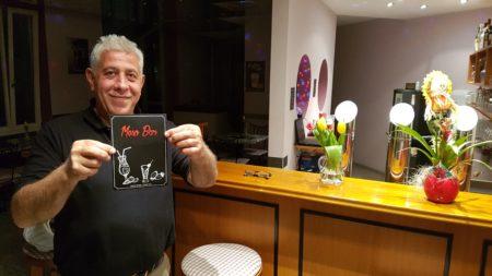 Herr Hūsein ist Pächter der neuen MESO-Bar in Isen