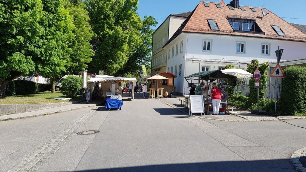 Vormittags waren noch weniger Besucher auf dem Kreuzmarkt in Isen