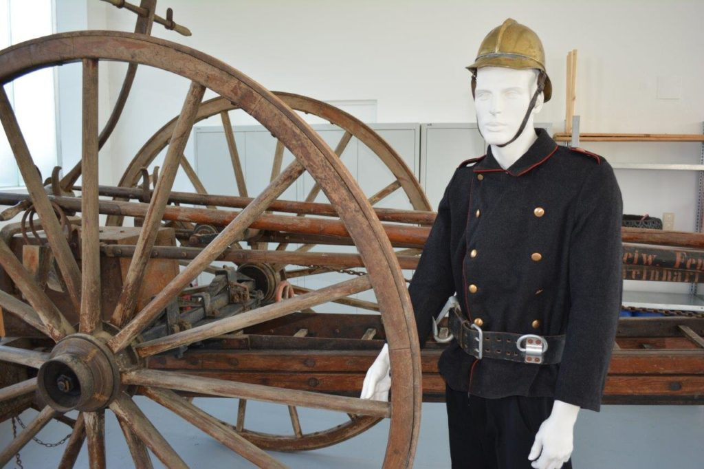 Original Bekleidung der Isener Feuerwehr aus dem Jahr 1896