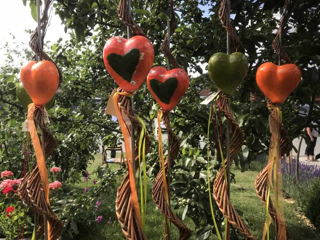 Kunst im Obstgarten
