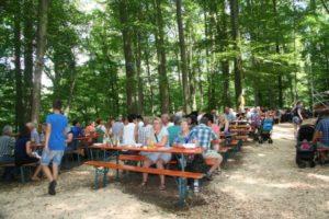 Gut besuchtes Waldfest der KLJB Isen in Gmain