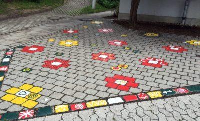 Ramadama: Viele Helfer verschönern Schulhof