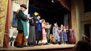 """Wunderbares Märchen-Theater bei """"Rettet Rumpelstilzchen"""" vom Theaterverein Isen"""