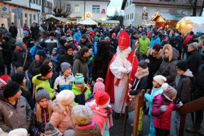 Nikolausmarkt Isen: Verlosung lockte Kinder