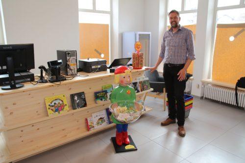 """Neues Schreibwarengeschäft eröffnet in Isen Am Gries – """"Servus Kinder"""""""