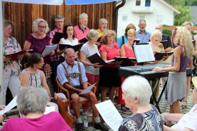 15 Jahre Senioren-Zentrum Isen: Fröhliches Fest mit viel Musik