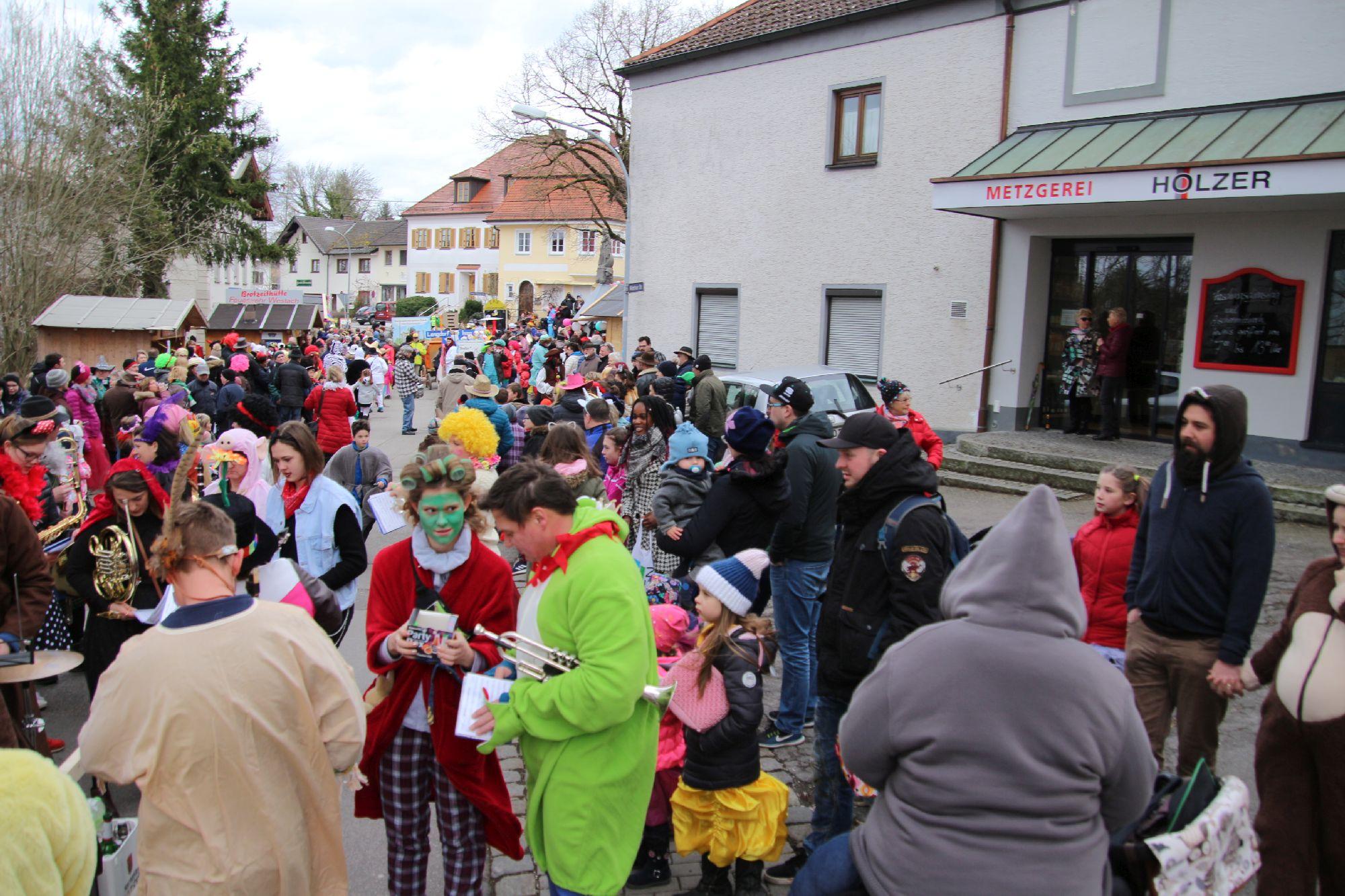 2020-02-25 Faschingsumzug Isen (371)