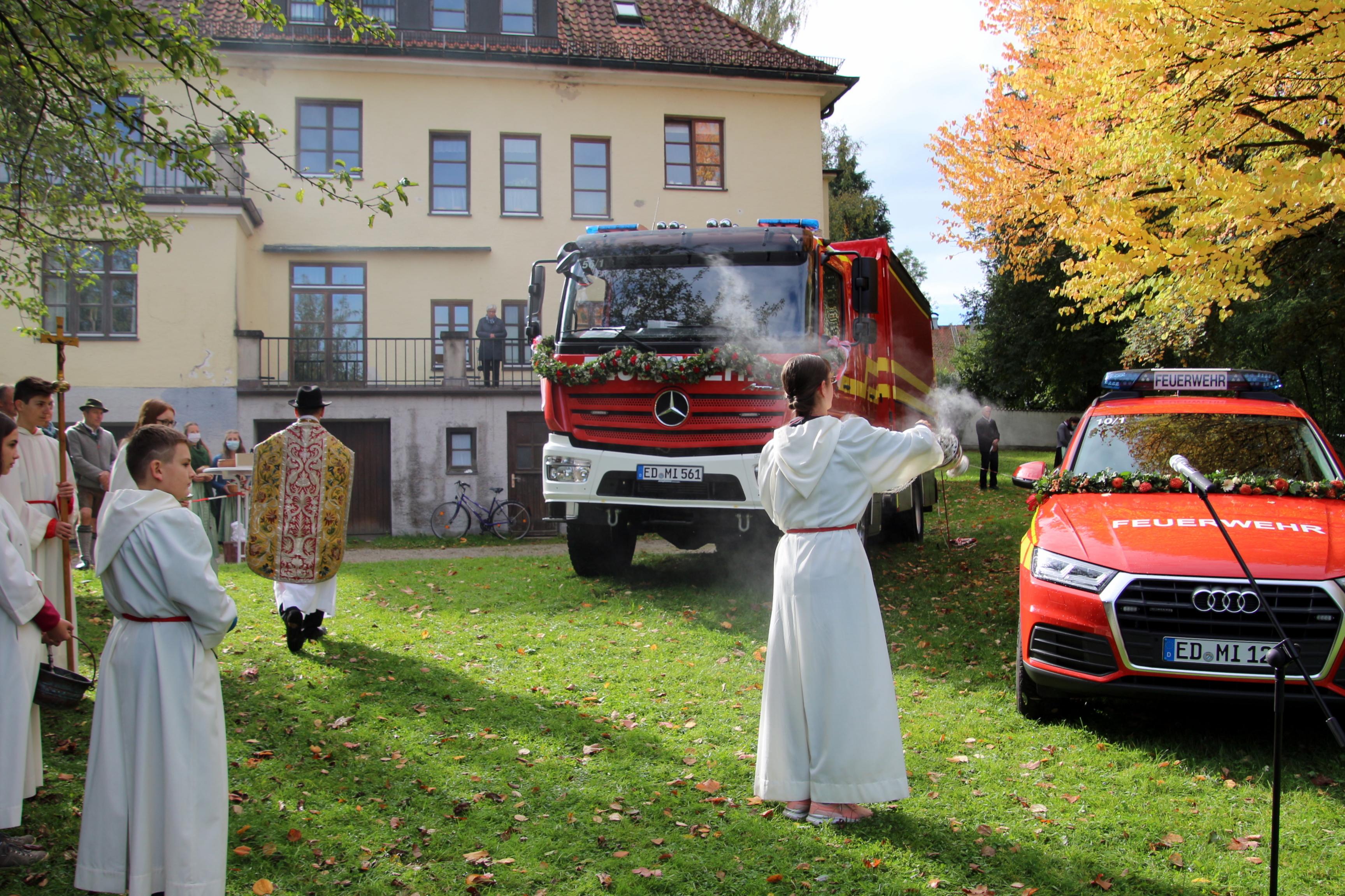 2020-10-04 Fahrzeugsegnung FFW Isen (68)