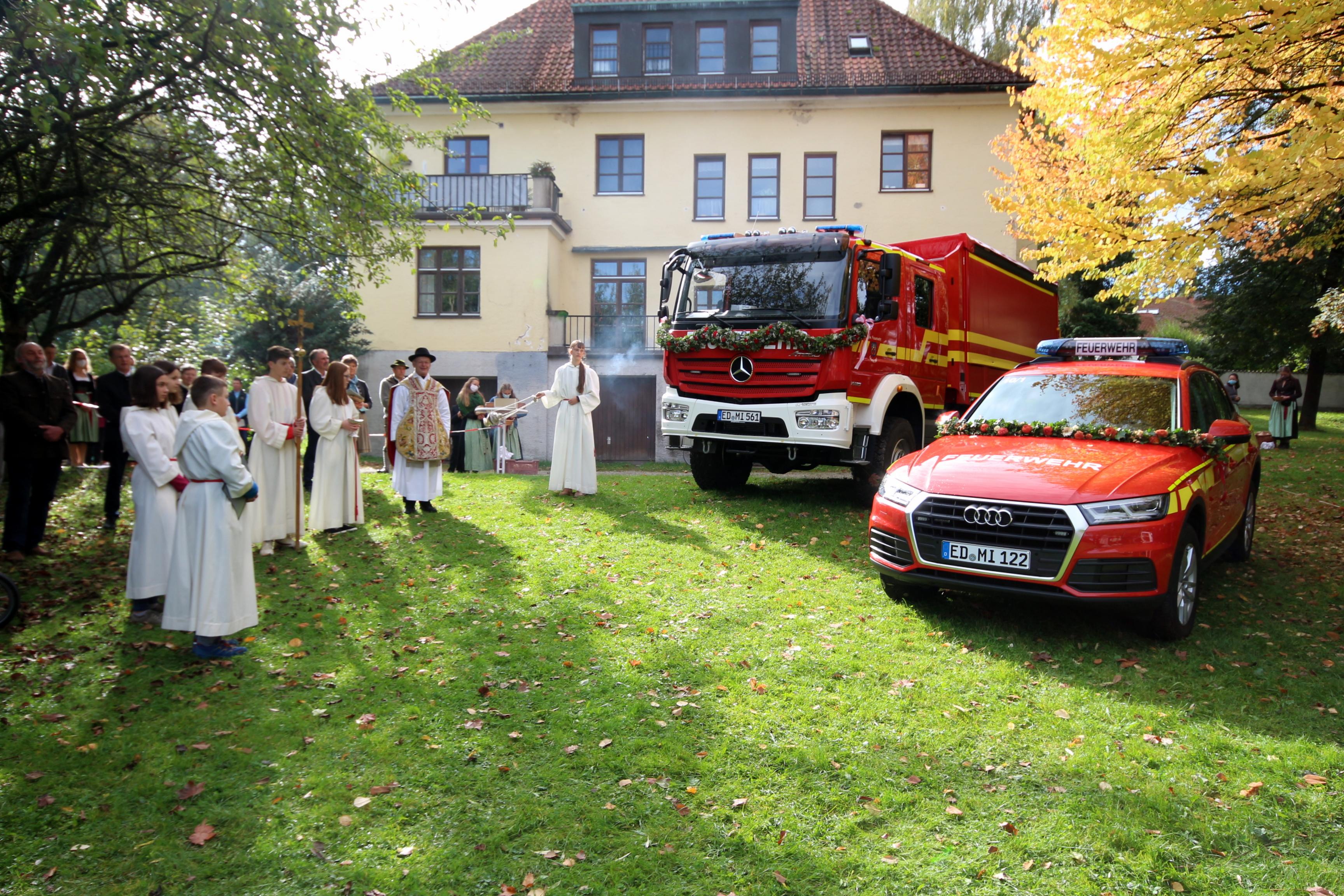 2020-10-04 Fahrzeugsegnung FFW Isen (84)
