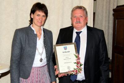 Siegfried Fischer zum Altbürgermeister ernannt