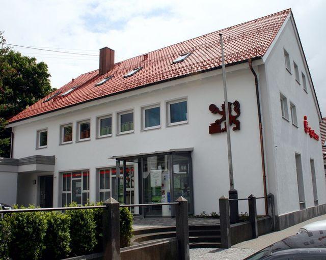 Isen: Wohnung im Sparkassengebäude zu vermieten